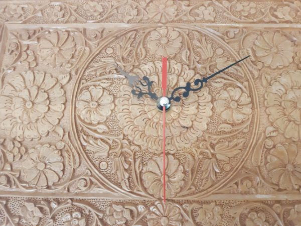 Buy Iranian wood carving clock made by Mohammad Mehdi Tavakol