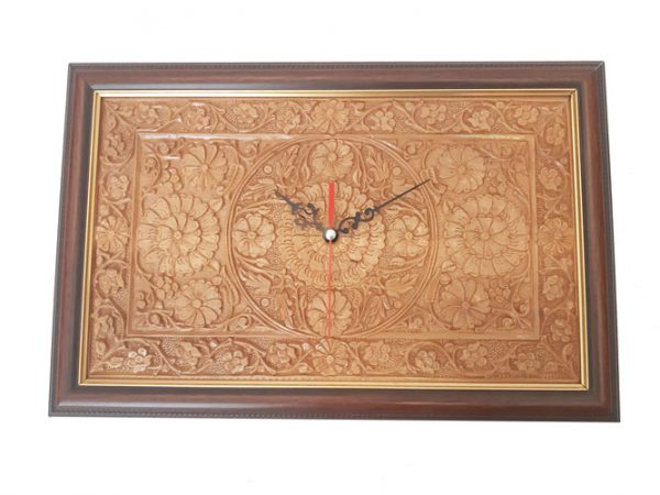 wood carving clock made by mohammad mehdi tavakkol