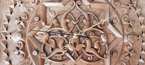 Wood carving Clock (Heaven) made of pear wood